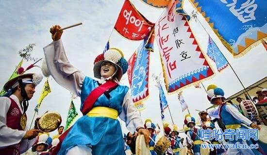 日本与韩国抢中国游客由韩改日本游客达40棒子被弃